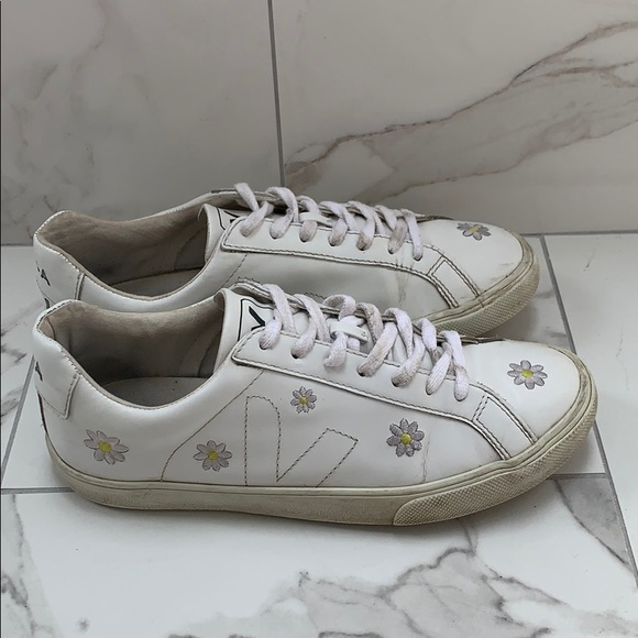 Veja Shoes | Veja Daisy Sneakers | Poshmark